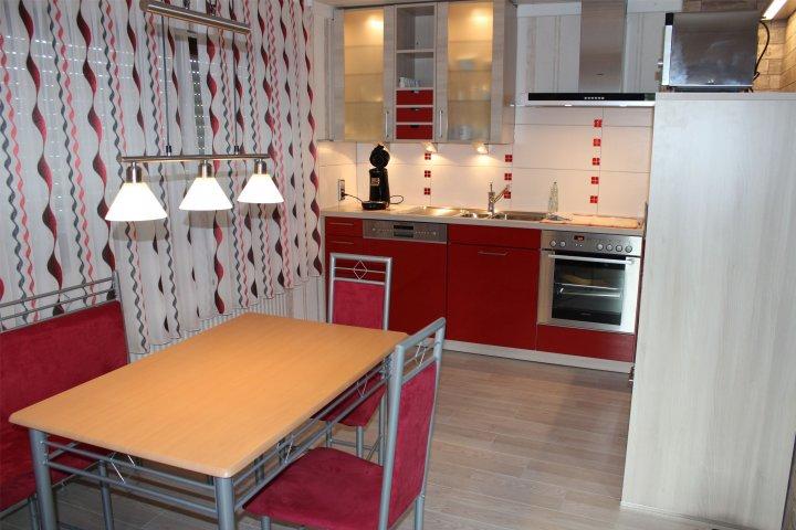 s g ferienwohnung gro e ferienwohnung 4 personen 2 getrennte schlafzimmer mit tv. Black Bedroom Furniture Sets. Home Design Ideas